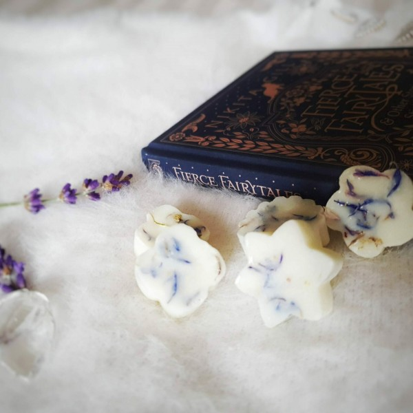 Lilac Dreams- pack of 20 wax melts at Henley Circle Online Shop