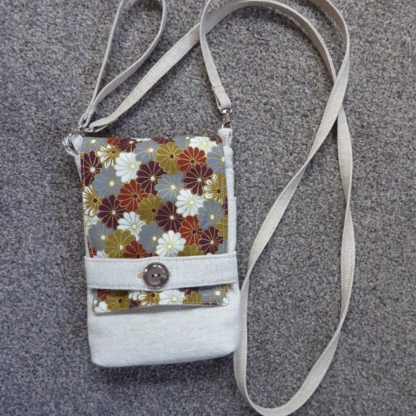 Mini Cross Body Bag/Messenger Bag Linen with Chinese Flowers at Henley Circle Online Shop
