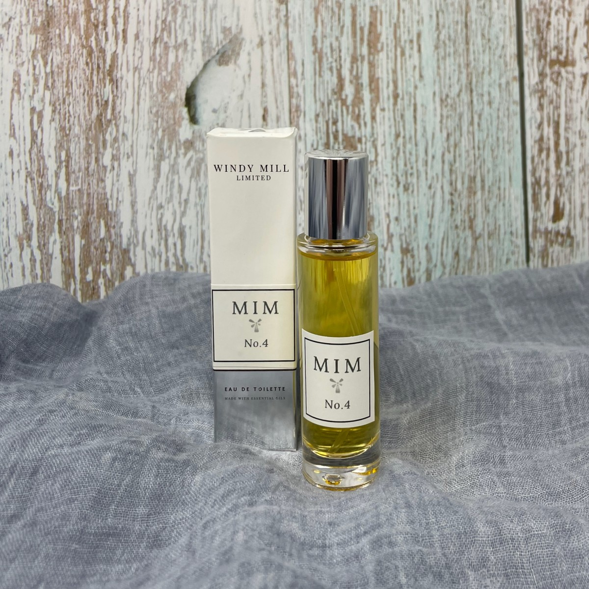 Essential Oil Perfumes – MIM No. 4 at Henley Circle Online Shop